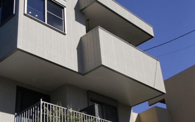 眺望を生かした高台の家